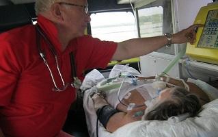 Перевезти больного из Мариуполя в Киев, после инсульта